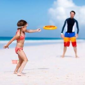 Frisbee e giochi da spiaggia